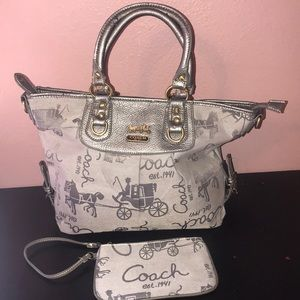 Coach shoulder bag and the matching clutch